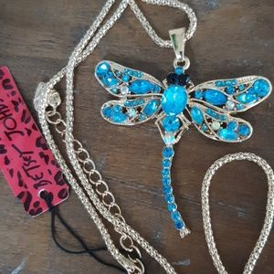 BETSEY JOHNSON blue gold dragon fly necklace